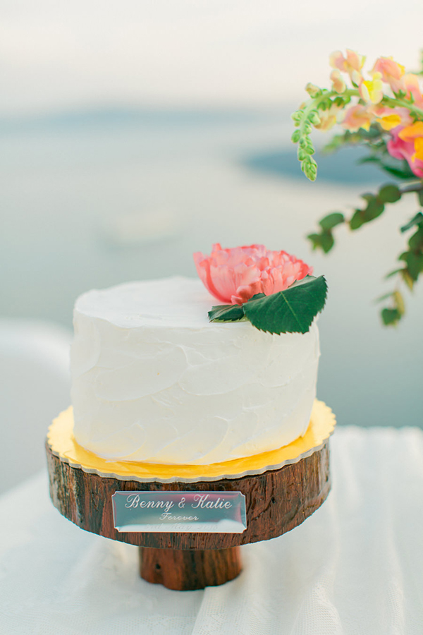 white-wedding-cake