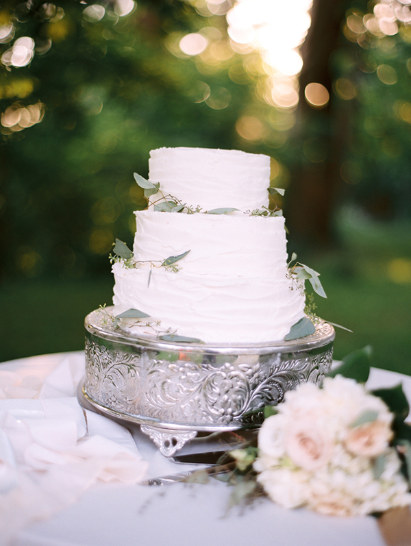 45-elegant-white-wedding-cake