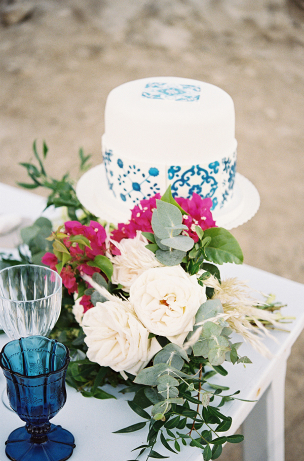 blue-portuguese-tile-inspired-wedding-2