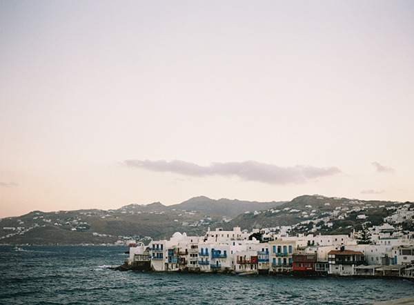 styled-shoot-in-mykonos-2