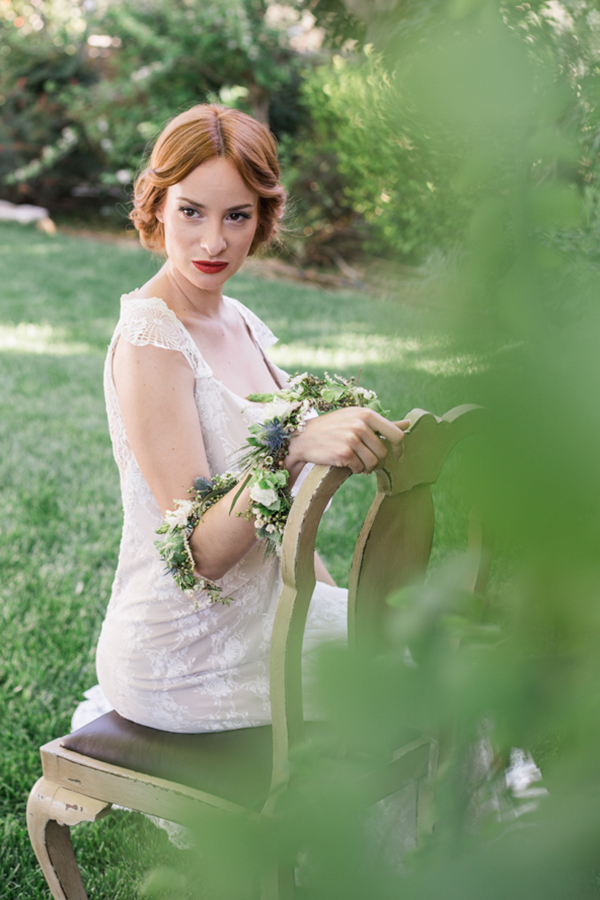 bridal-hairstyle-real-flowers