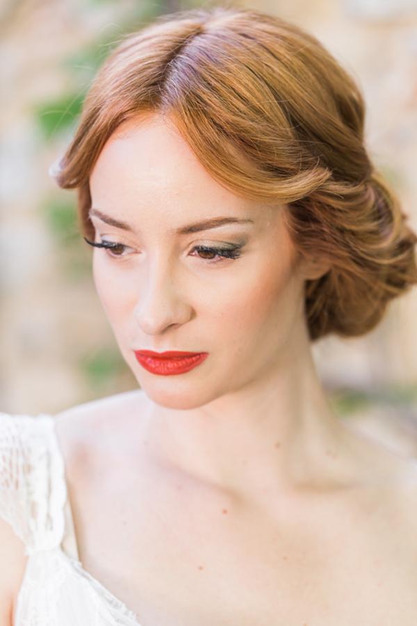 red-lipstick-bride