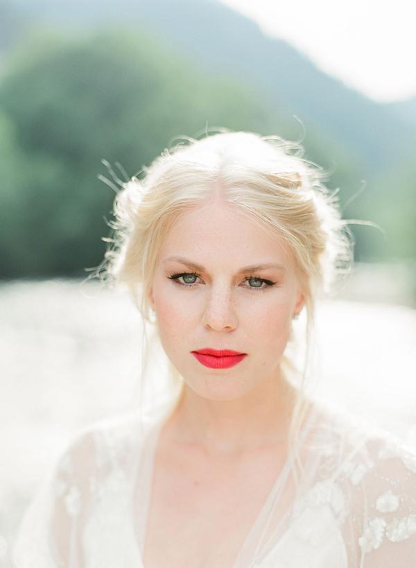 bridal-makeup-red-lipstick