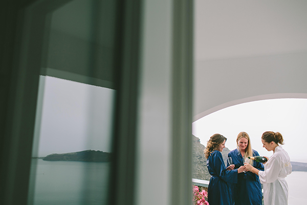 bride-bridesmaids-robes-images
