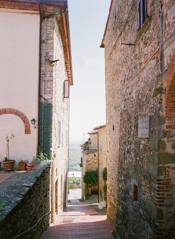 beautiful-destination-wedding-tuscany-23