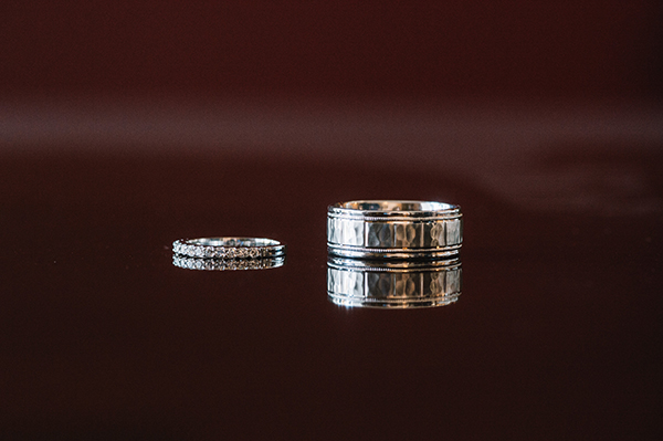 glamorous-wedding-gold-burgundy-colors-15