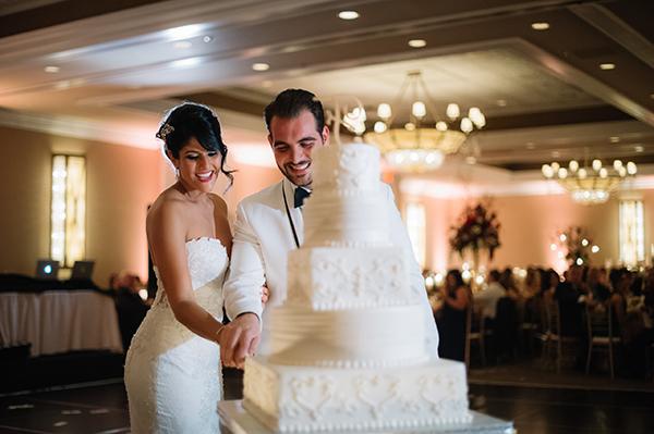 glamorous-wedding-gold-burgundy-colors-37