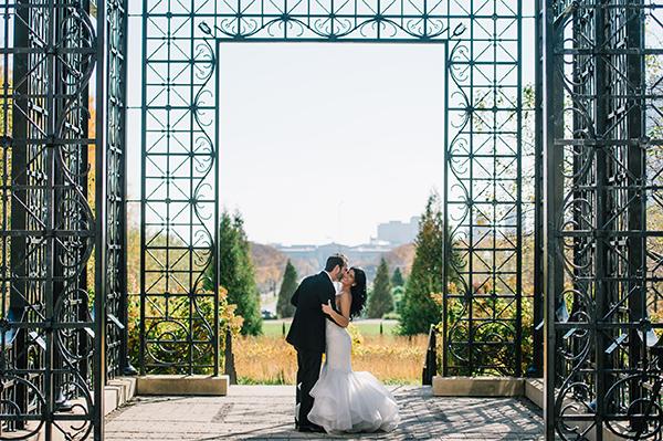glamorous-wedding-gold-burgundy-colors-41