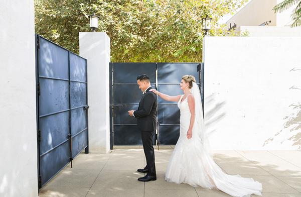 modern-gold-and-green-wedding-13