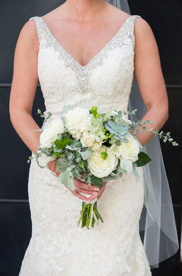 modern-gold-and-green-wedding-19