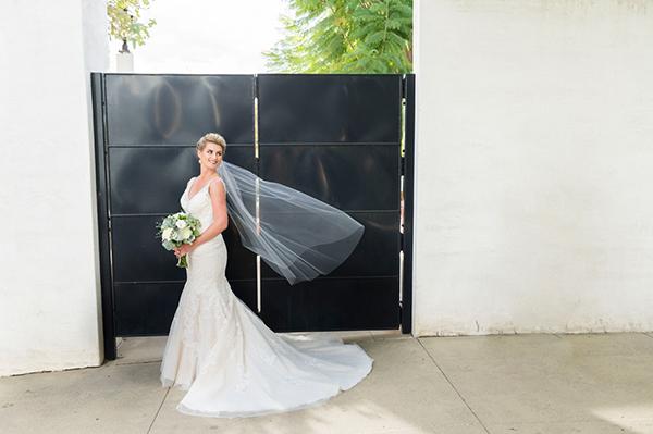 modern-gold-and-green-wedding-20
