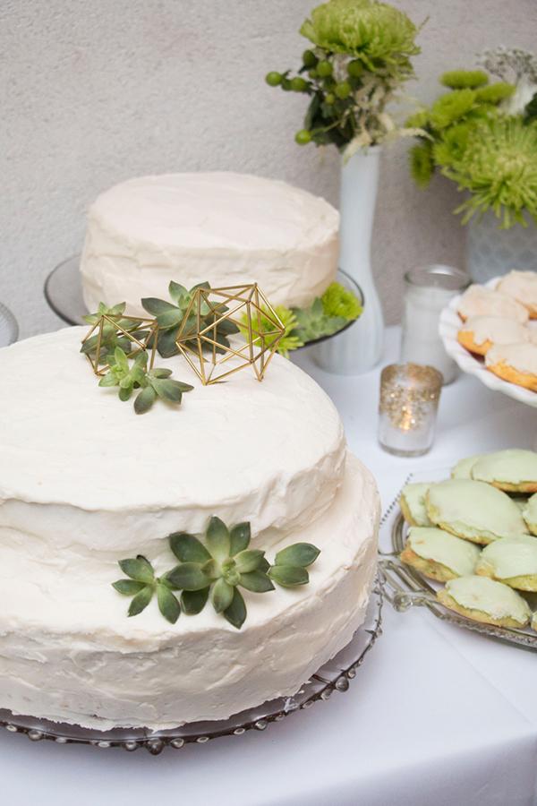 modern-gold-and-green-wedding-34