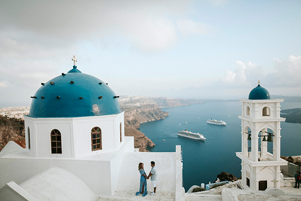 beautiful-anniversary-shoot-santorini-12