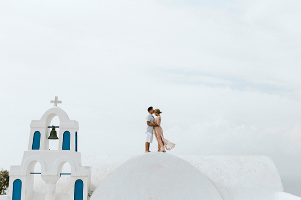 beautiful-anniversary-shoot-santorini-4