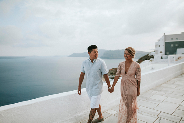 beautiful-anniversary-shoot-santorini-5