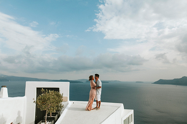 beautiful-anniversary-shoot-santorini-7