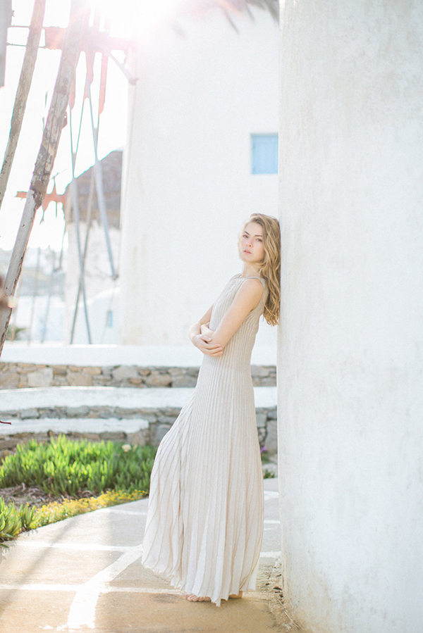 beautiful-ethereal-shoot-Mykonos-10