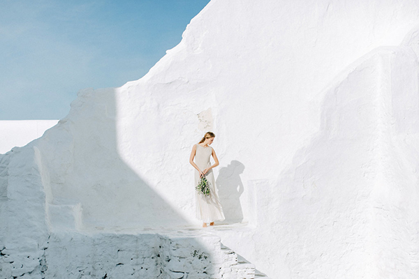 beautiful-ethereal-shoot-Mykonos-14