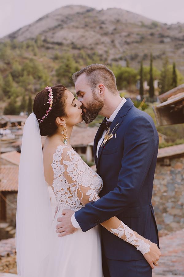 beautiful-rustic-wedding-in-cyprus-34