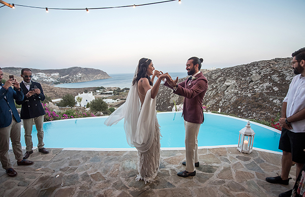 bohemian-destination-wedding-in-mykonos-27