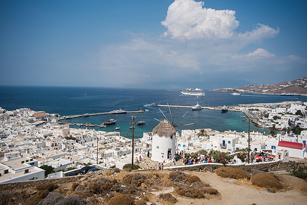 bohemian-destination-wedding-in-mykonos-7