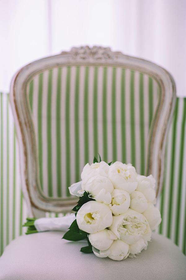 chic-destination-wedding-Santorini-13