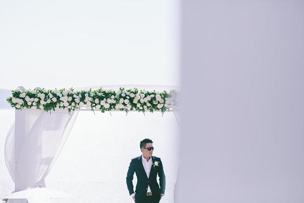 chic-destination-wedding-Santorini-22