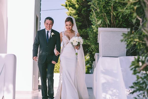 chic-destination-wedding-Santorini-24