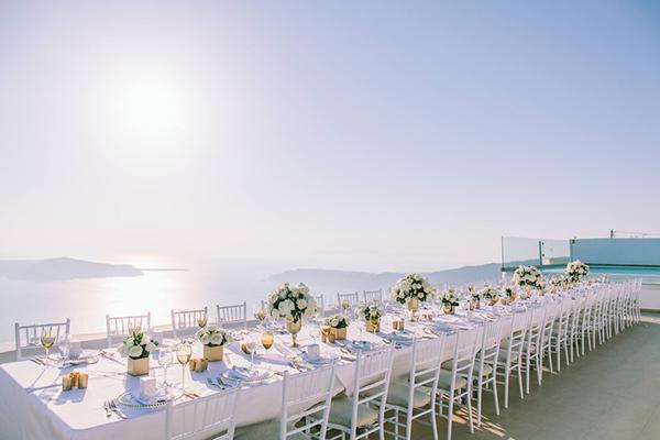 chic-destination-wedding-Santorini-31