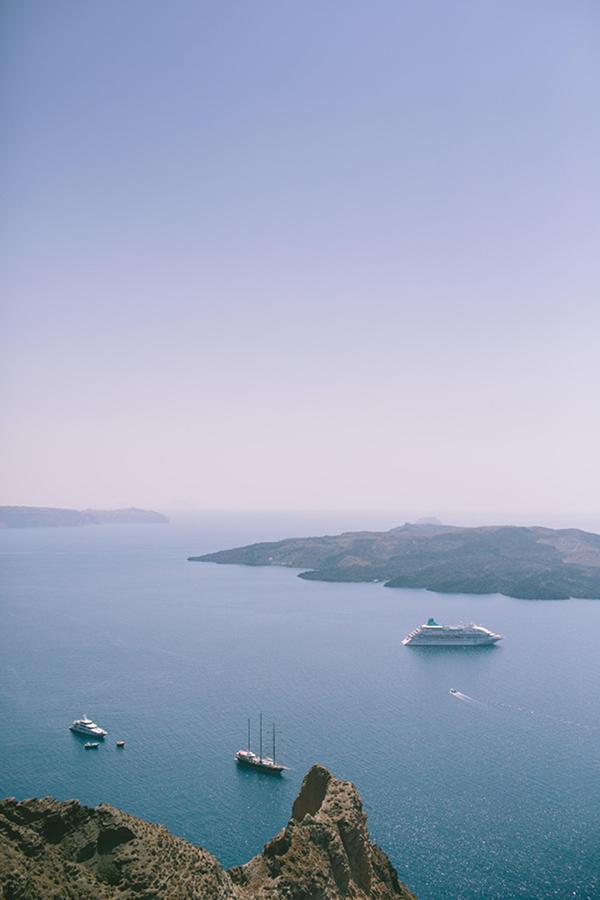 chic-destination-wedding-Santorini-8