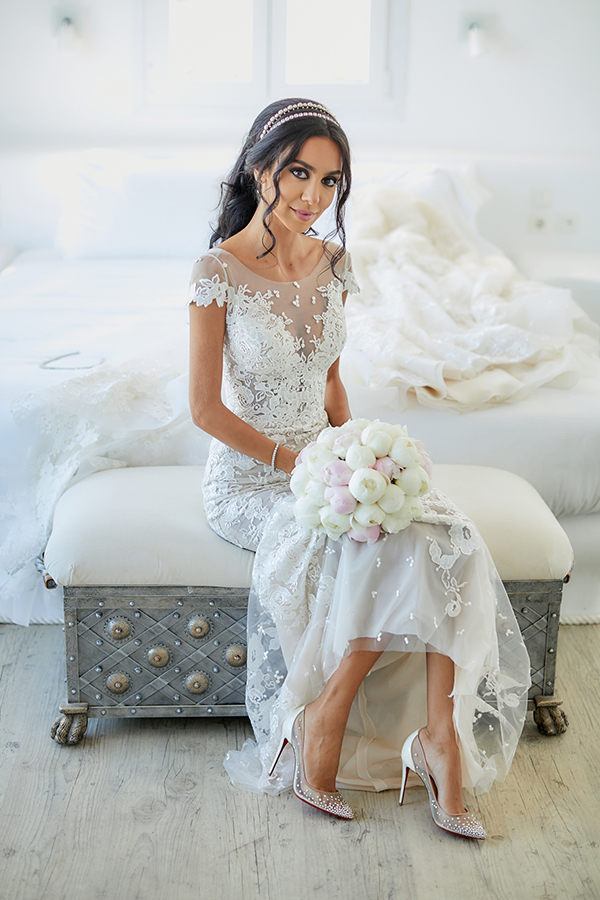 chic-glamorous-wedding-in-mykonos-amazing-berta-wedding-dress-4