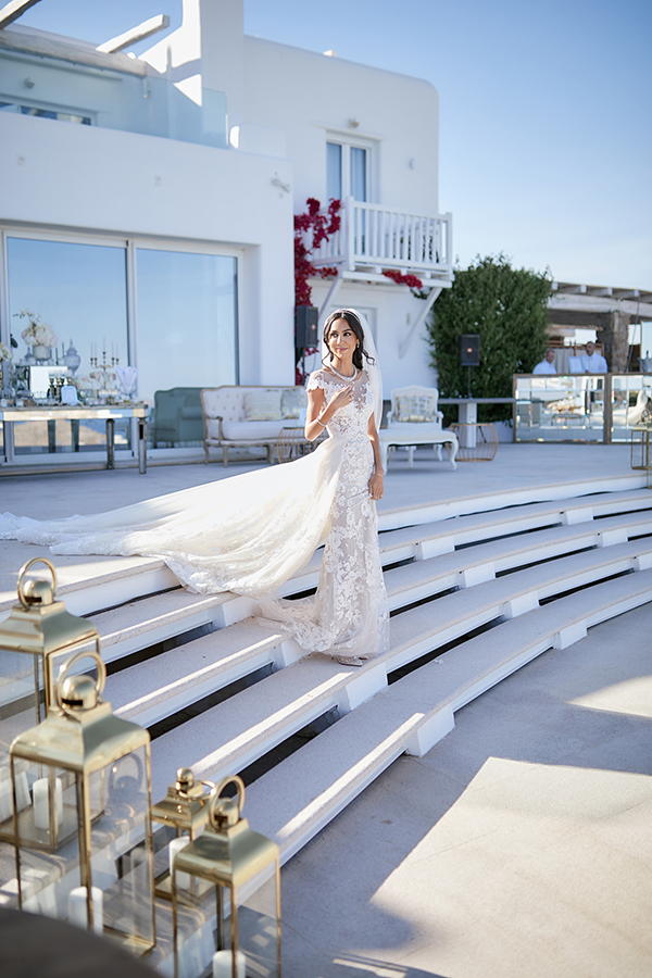 chic-glamorous-wedding-in-mykonos-amazing-berta-wedding-dress-7