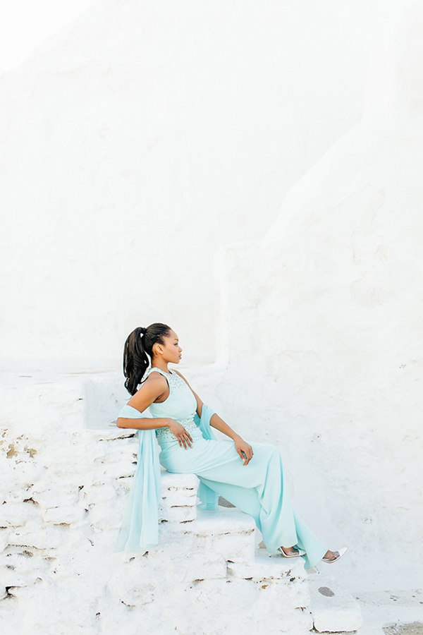 gorgeous-fashion-shoot-in-Mykonos-12