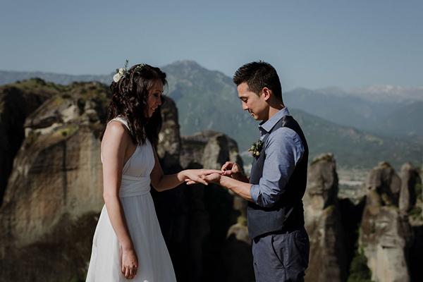 romantic-elopement-meteora-17