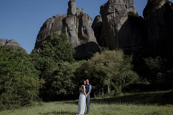 romantic-elopement-meteora-8