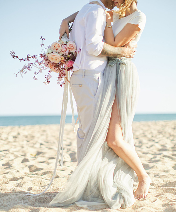 romantic-engagement-session-at-the-beach-2