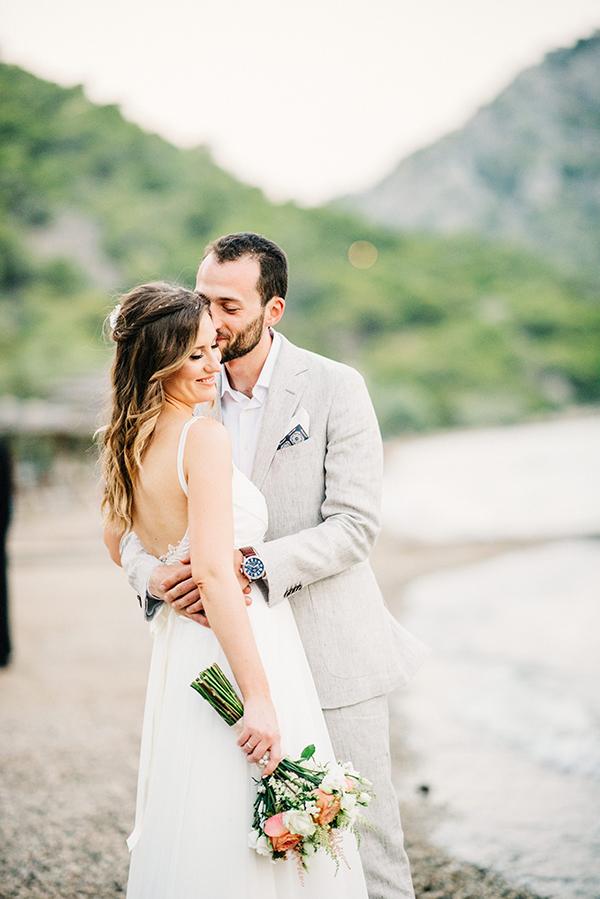 unique-wedding-right-beach-3-2