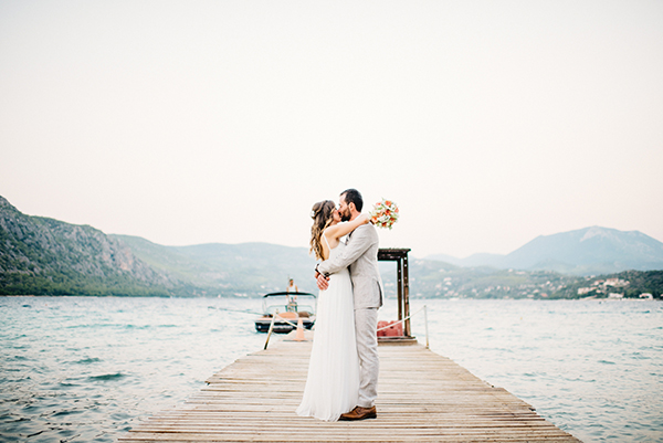 unique-wedding-right-beach-5-2