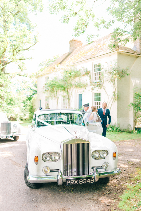 beautiful-rustic-barn-wedding-13