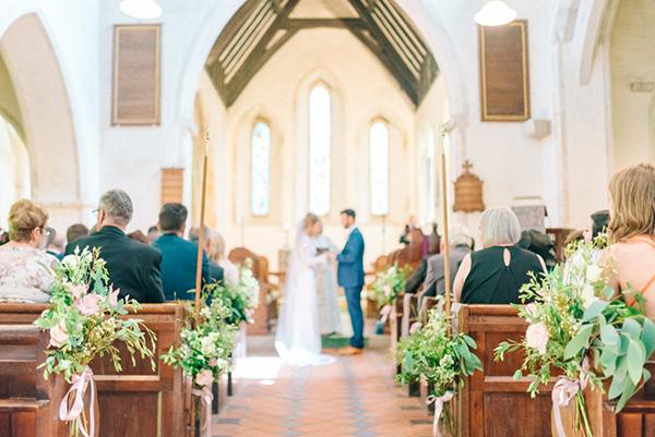 beautiful-rustic-barn-wedding-16