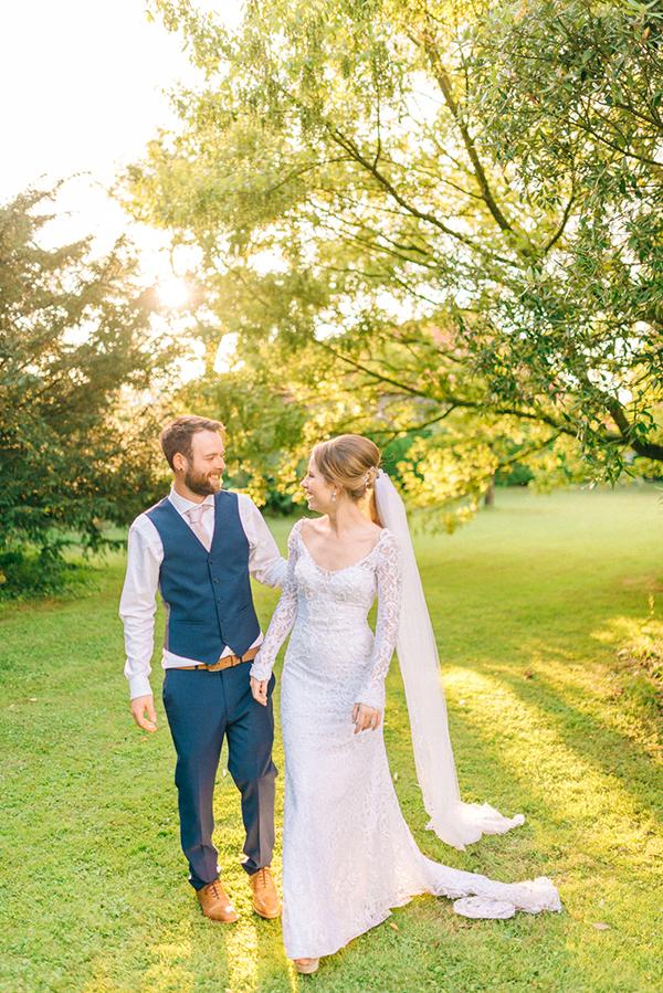 beautiful-rustic-barn-wedding-3