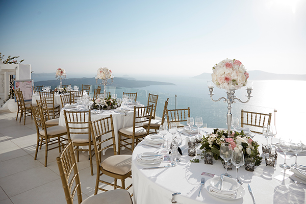 luxurious-wedding-overlooking-sea-25