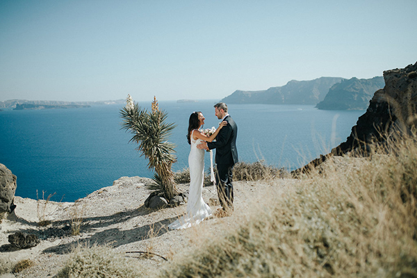 romantic-destination-wedding-Santorini-14
