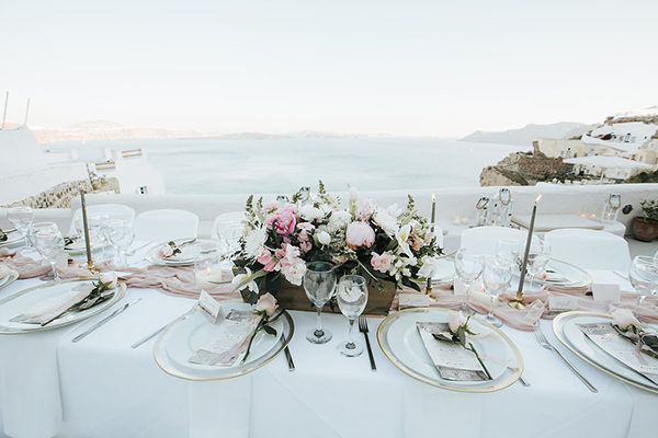 romantic-destination-wedding-Santorini-18