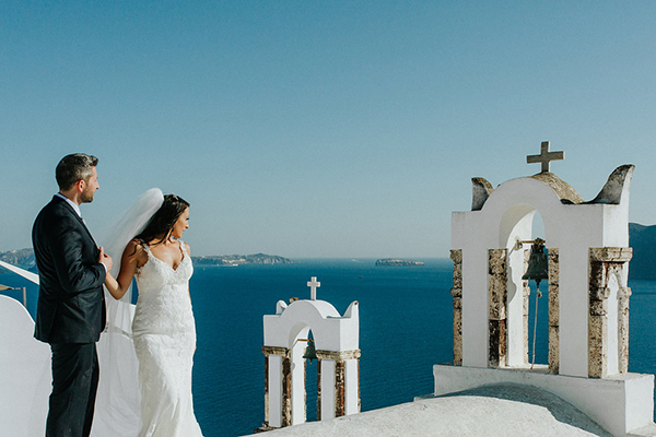 romantic-destination-wedding-Santorini-2
