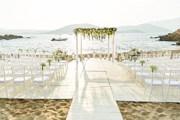 romantic-elegant-wedding-on-the-beach-10