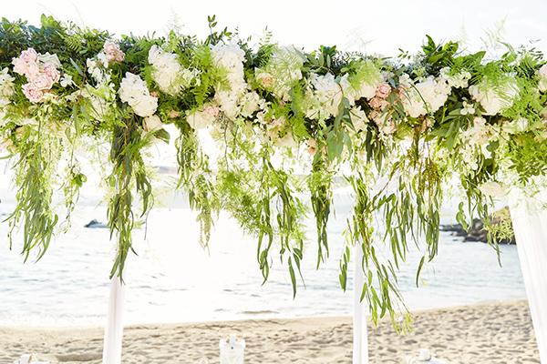 romantic-elegant-wedding-on-the-beach-12