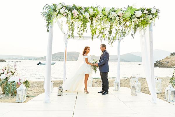romantic-elegant-wedding-on-the-beach-14