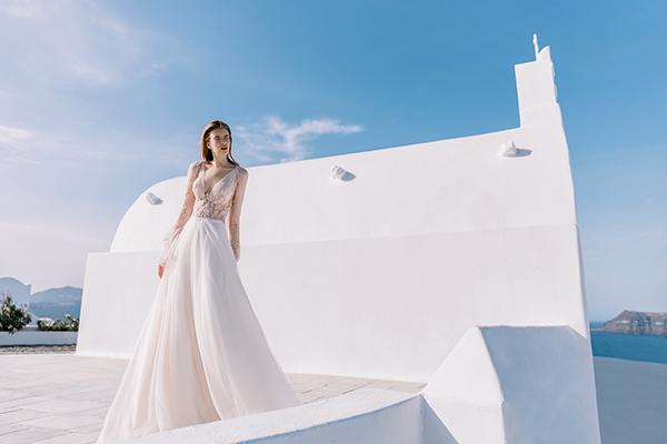 beautiful-shoot-santorini-costantino-wedding-dresses-1