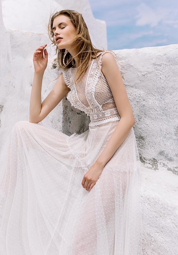 beautiful-shoot-santorini-costantino-wedding-dresses-6
